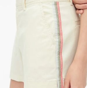 "GAP | 3"" City Shorts with Embroidered Side Seams"